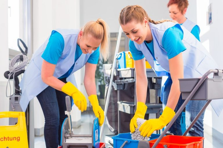 8 Benefits of Hiring a Commercial Cleaning Company
