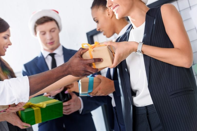 A Unique Touch: 7 Gifts for Your Boss That Are Both Fun and Professional
