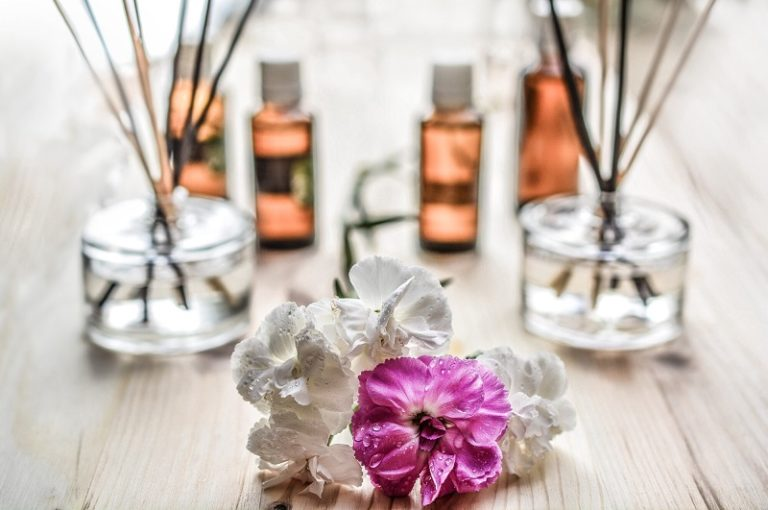 7 Perfume Scents For People with Sensitive Smell