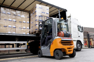 This Is How to Drive a Forklift the Right Way