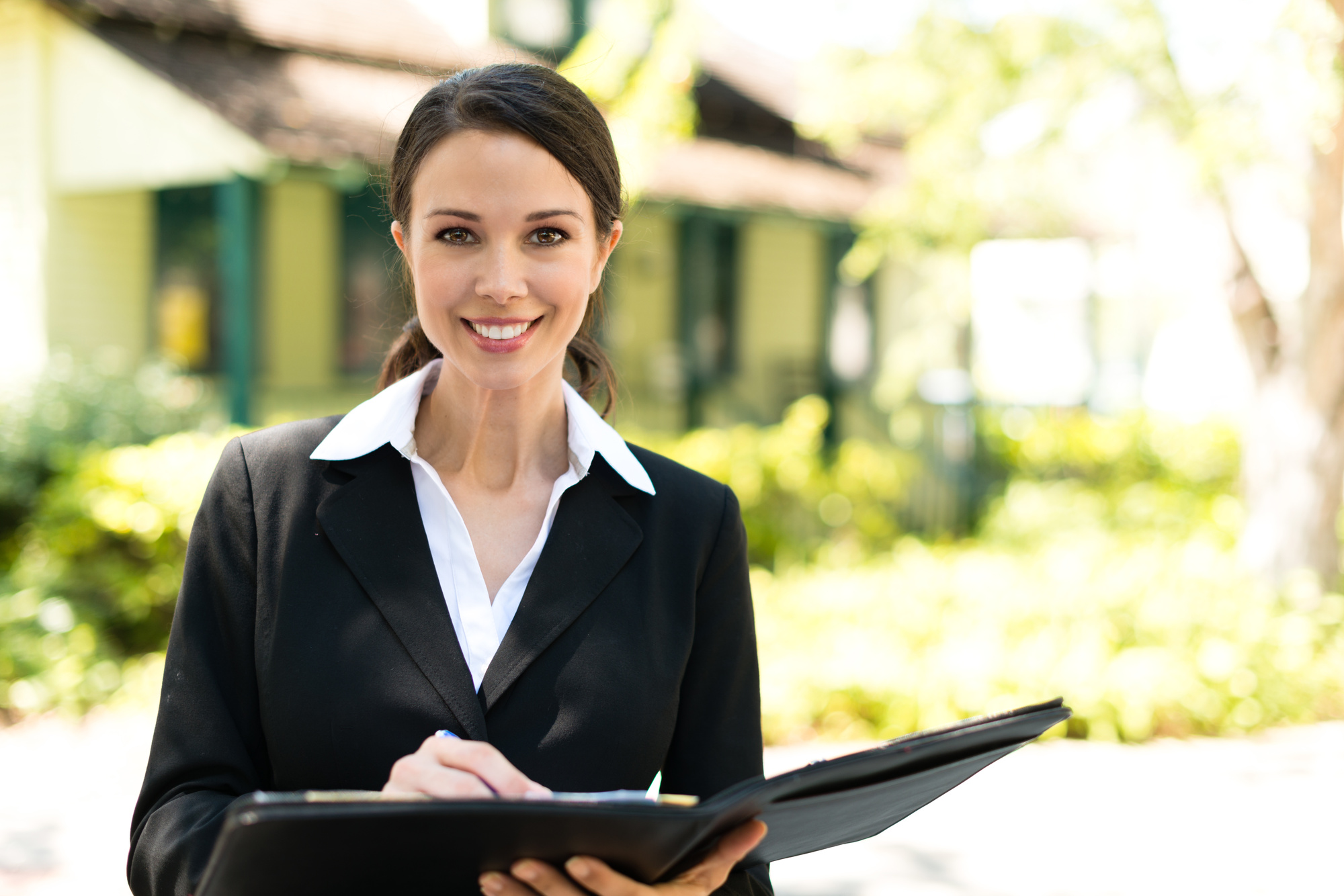 4 Benefits of Starting Your Own Real Estate Business